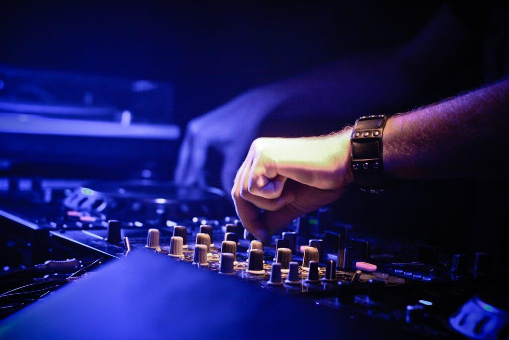 Private DJ Lessons in Barcelona - On Tempo DJ Academy